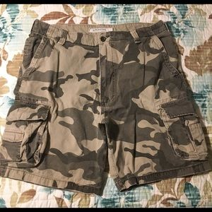 Other - Men's Camo Colored Cargo Shorts
